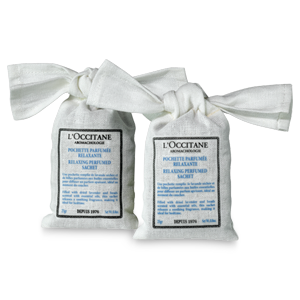 Aromachologie Relaxing Perfumed Sachets with essential oils refreshes room for a good night's sleep.