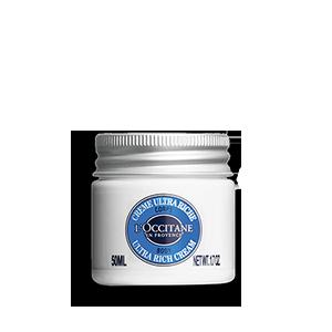 Enriquecido com 25% de manteiga de karité, este creme protege a pele contra a secura e nutre-a intensamente para uma hidratação até 72h.