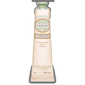 Crema de maini cu Migdale SPF15, de la L'Occitane.