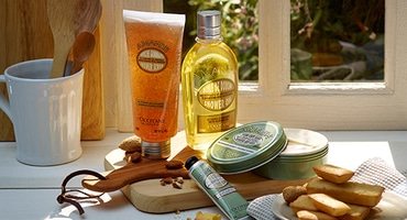 Almond body care - L'Occitane