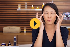 Massaggio rilassante agli occhi