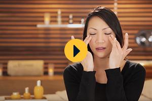 Massage relaxant des yeux