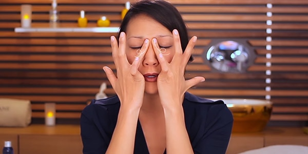 eye massage - L'Occitane