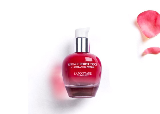 PIVOINE SUBLIME - SMOOTH & REFINE - Pivoine Sublime Skin Perfector - l'Occitane