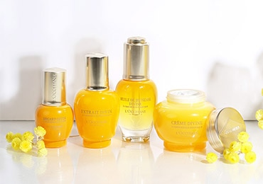 GIVE BEAUTY THIS MOTHER'S DAY - GIVE THE GIFT OF GLOWING SKIN - l'Occitane