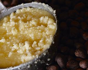 バターのようになめらかで、全身に使える保湿クリーム。