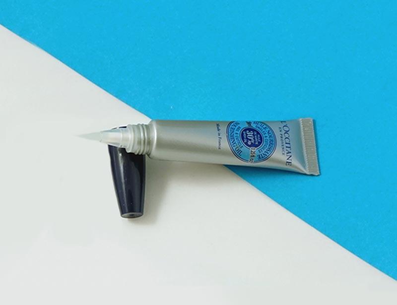TIP 4: Suaviza las cutículas y cuida tus uñas
