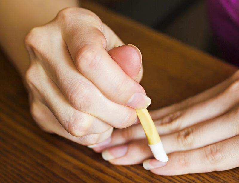 甘皮ケアでツルツルな爪をゲットして