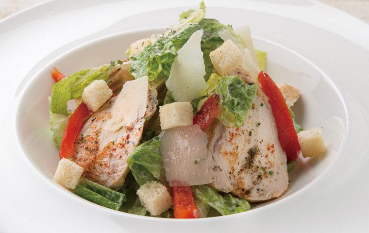 低溫烹調雞肉凱薩沙拉