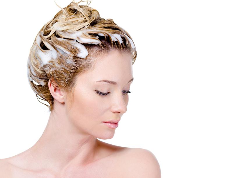 しっとり髪を作るヘアオイル活用術